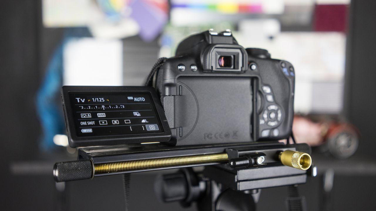 دوربین Canon 750D