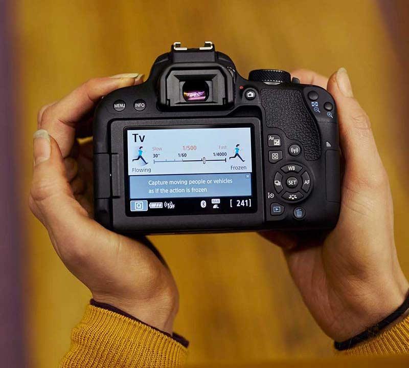 صفحه نمایش و ویزور دوربین کانن EOS 800D