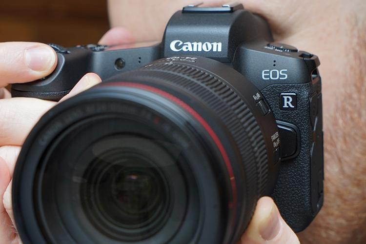 سلطه کانن بر بازار دوربین های DSLR