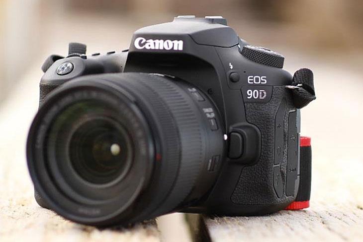 دوربین کانن 90D-